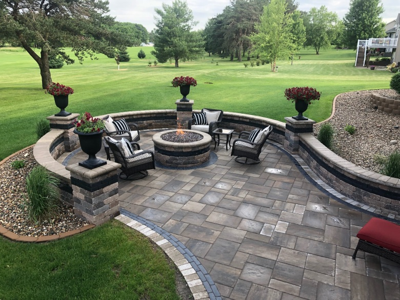 Paver Patio with Accents & Borders