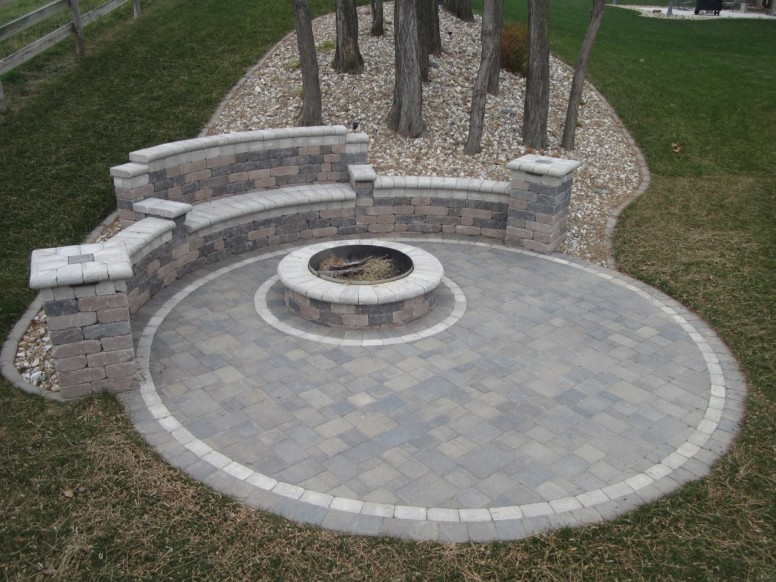circle patio with couch and firepit (2)